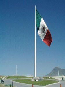 Bandera de México en Mirador de Obispado / Foto: Alex Covarrubias