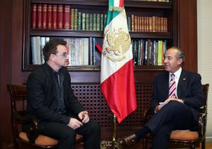 Bono y Felipe Calderón / Foto: Presidencia de la República